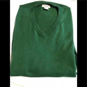 St. John's Bay men's v-neck sweater🍀
